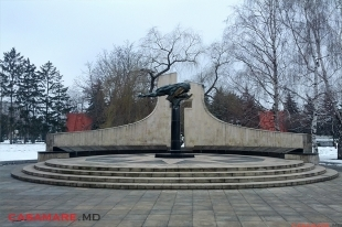 Complexul memorial Eternitate, Moldova | Мемориальный комплекс Вечность, Молдова