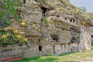 pelerinaj la mănăstirile rupestre ale moldovei