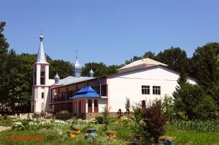 Монастырь Бричень